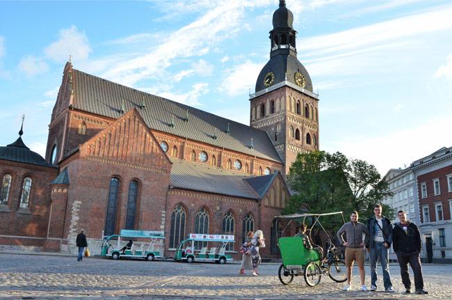 Fachada de la iglesia de San Pedro, Riga (Letonia)