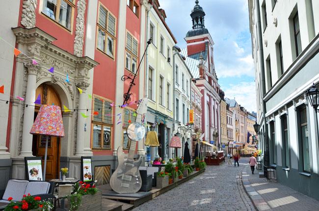 Calle principal en Riga (Letonia)