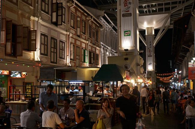 Calle de los restaurantes en China Town, Singapur