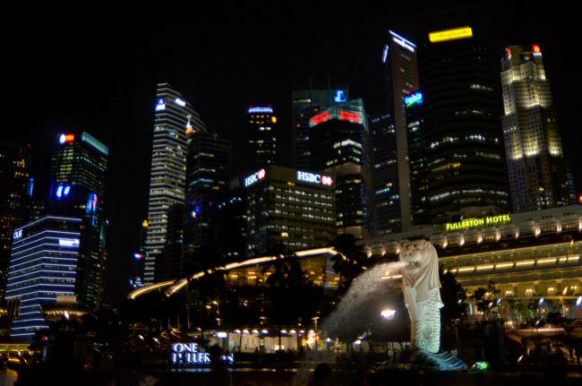 La estatua del Merlion en Marina Bay (Singapur)