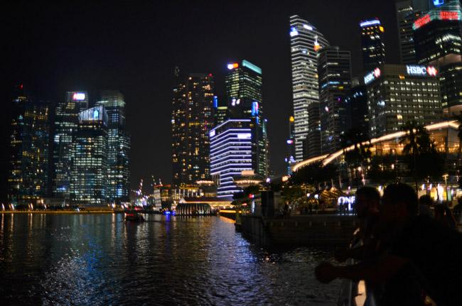 Marina Bay de noche (Singapur)