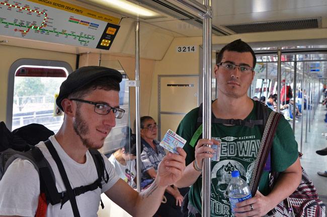 En el metro de Singapur, a nuestra llegada a la ciudad