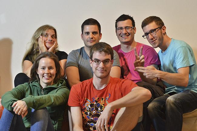 Con nuestras anfitrionas en una casa de couchsurfer en Turku (Finlandia)