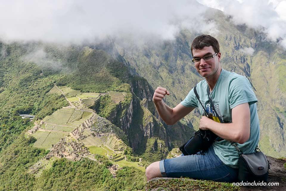 En lo alto del Wayna Picchu, con unas vistas perfectas de la ciudad sagradada del Machu Picchu