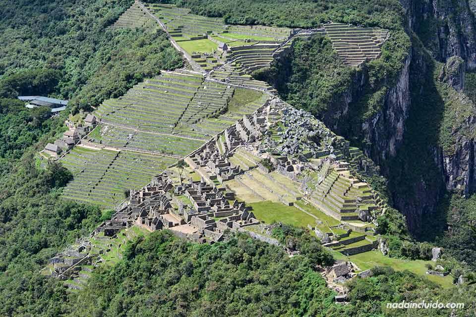 Vista de Machu Picchu desde Huayna Picchu (Perú)